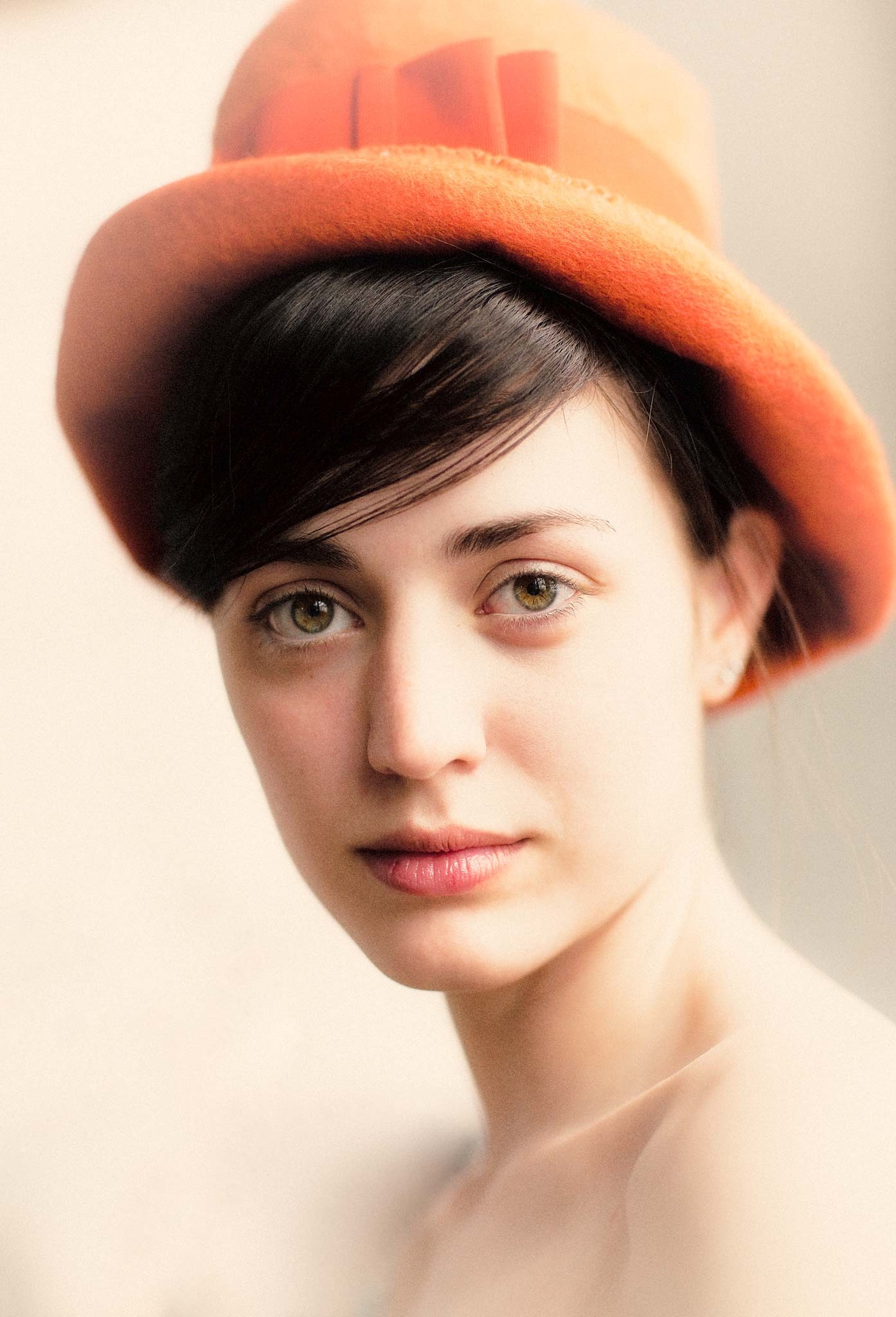 0901_dwpp-beauty_orange-hat_1493-w